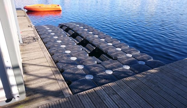 normal dock and a mobile roller dock