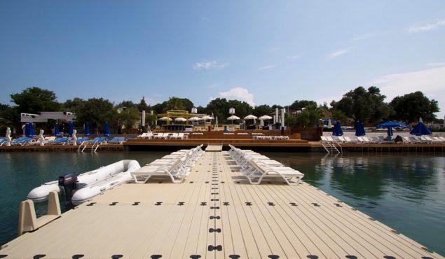 kafepi beach sunny dock