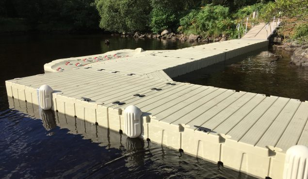 Rotodock L shaped pontoon