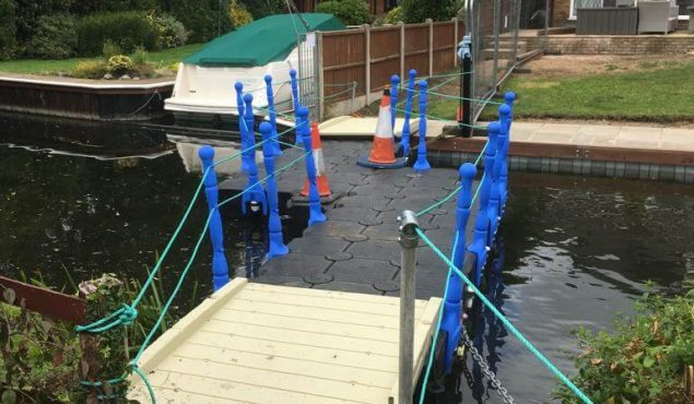 Modular cube pontoon temporary bridge for residential river repairs