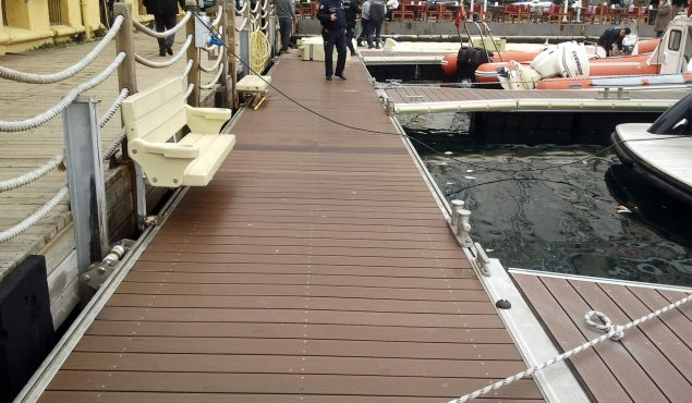 marine dock pontoon with benches