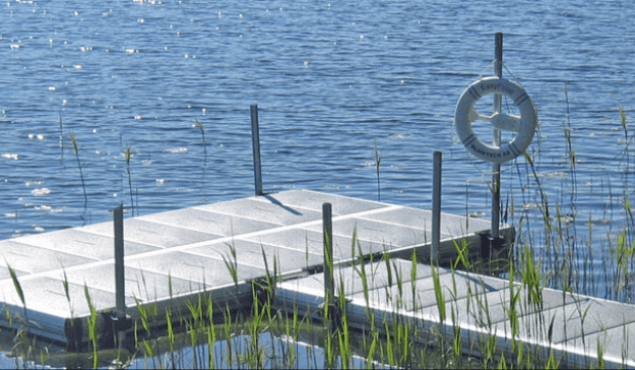 Easyfloat pontoon with piles and gangway