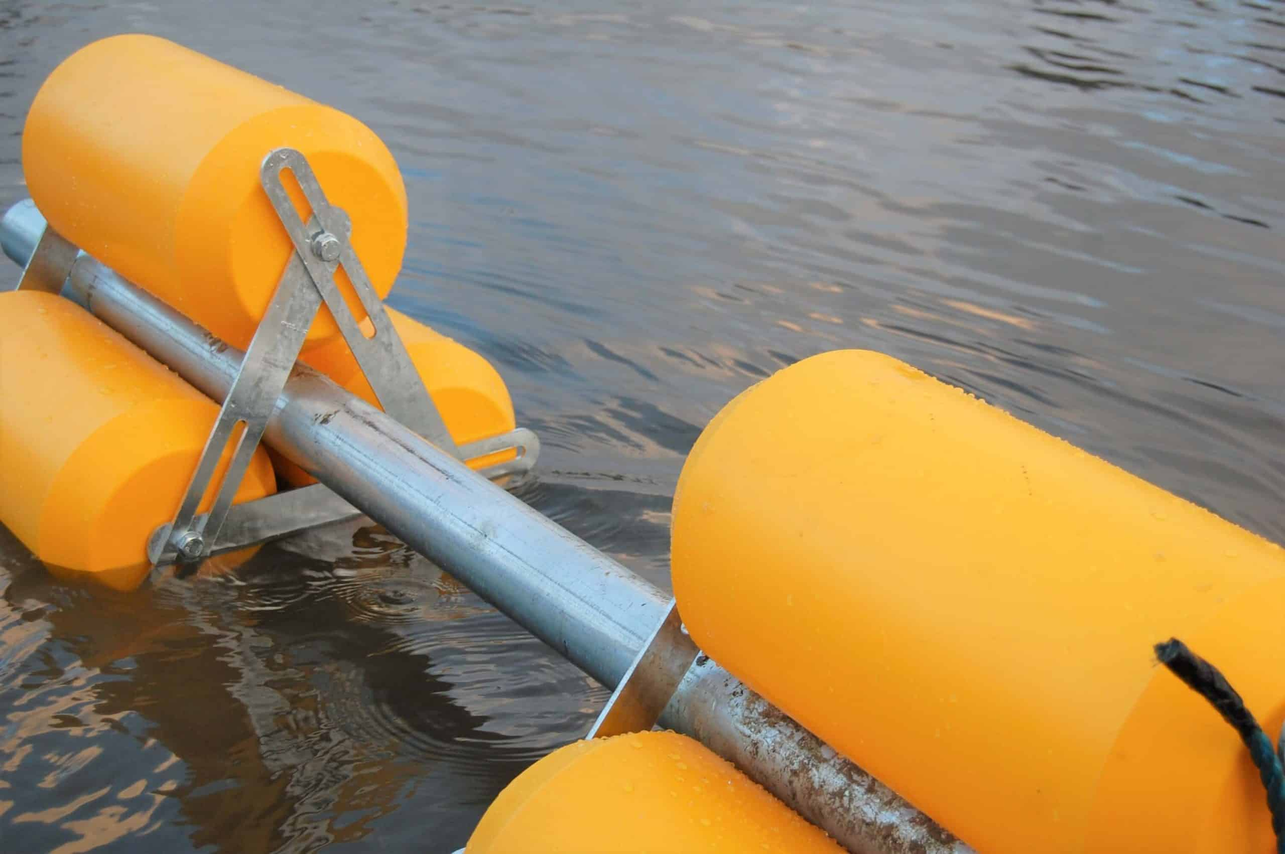 WMS pipe float with bracket on water